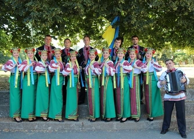 """Народний аматорський ансамбль пісні і танцю """"Трембіта"""" став учасником фестивалю """"Буковинські зустрічі"""""""