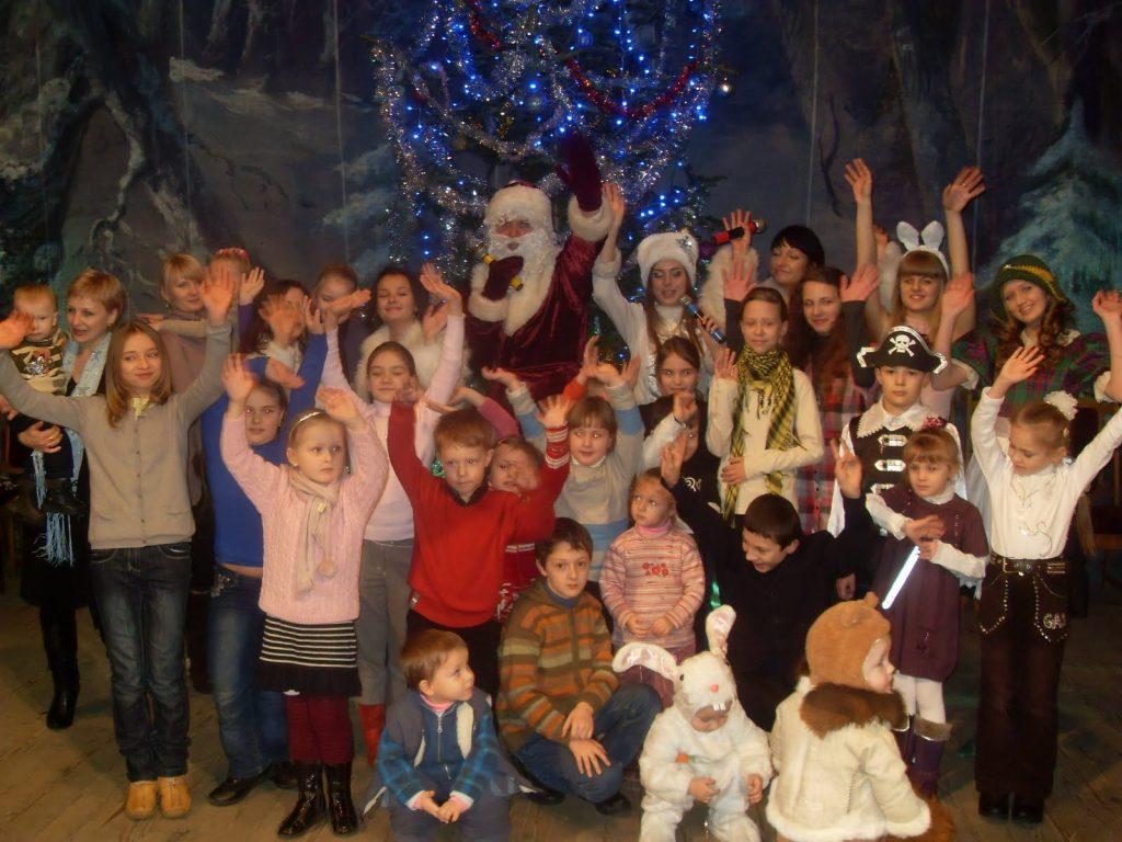 Новорічний ранок для дітей співробітників та студентів