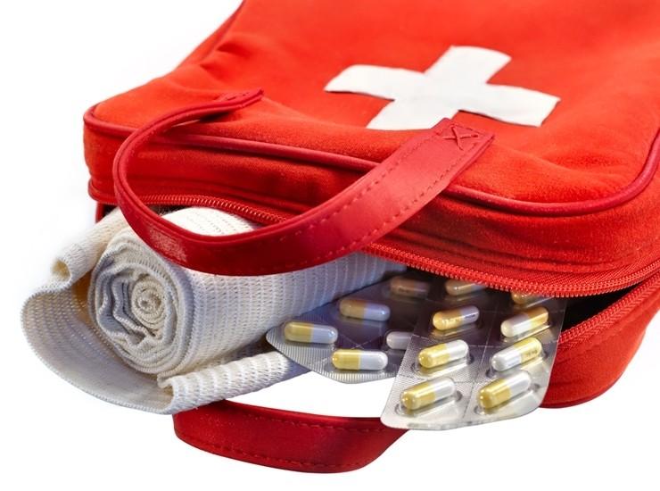 Аптечка мандрівника. Що потрібно взяти з собою у відпустку?