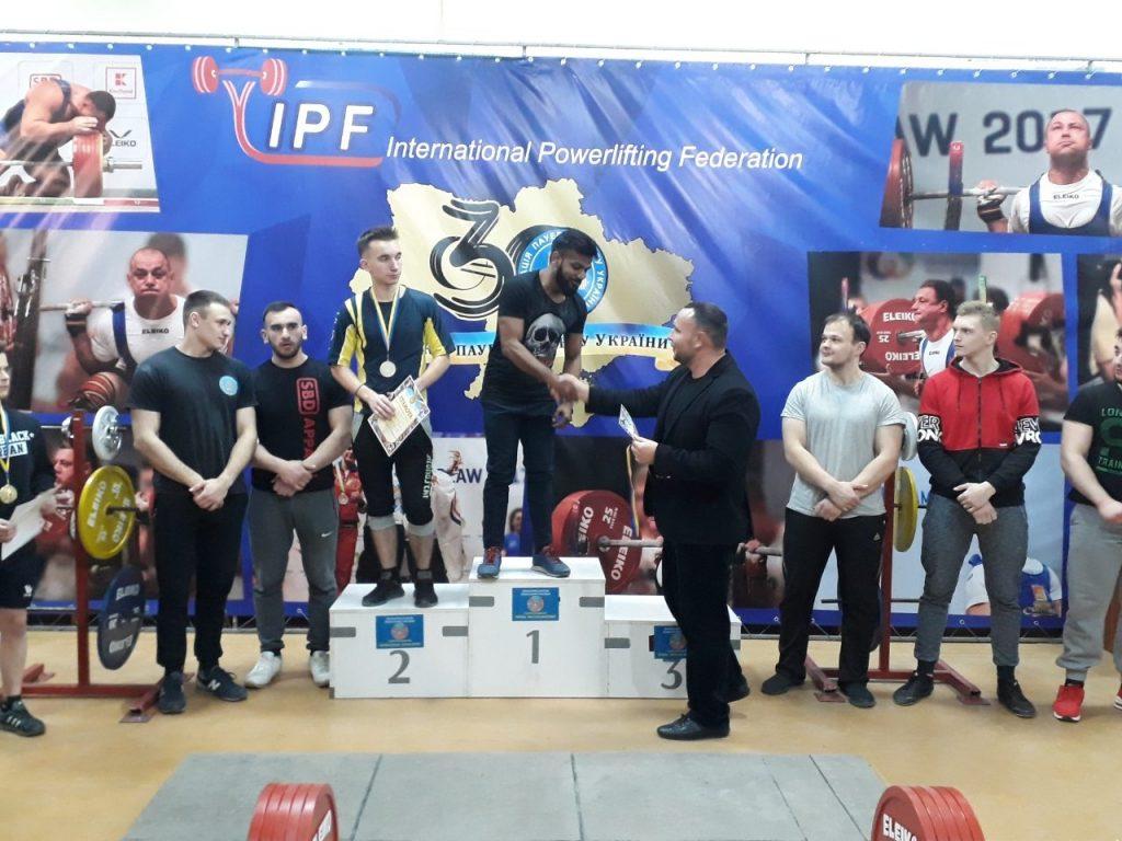 Студент БДМУ здобув золото на чемпіонаті з пауерліфтингу