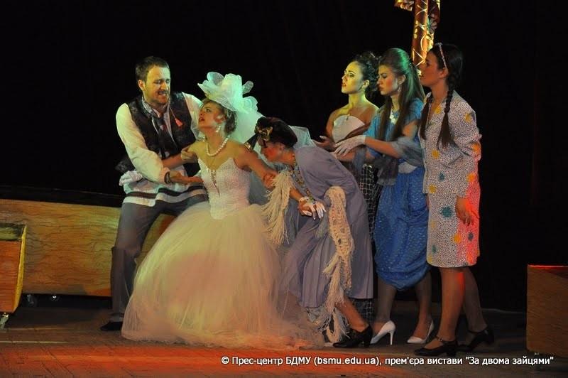 Буковинську театральну весну відкрили студенти-медики –  учасники народного аматорського театру  Буковинського державного медичного університету