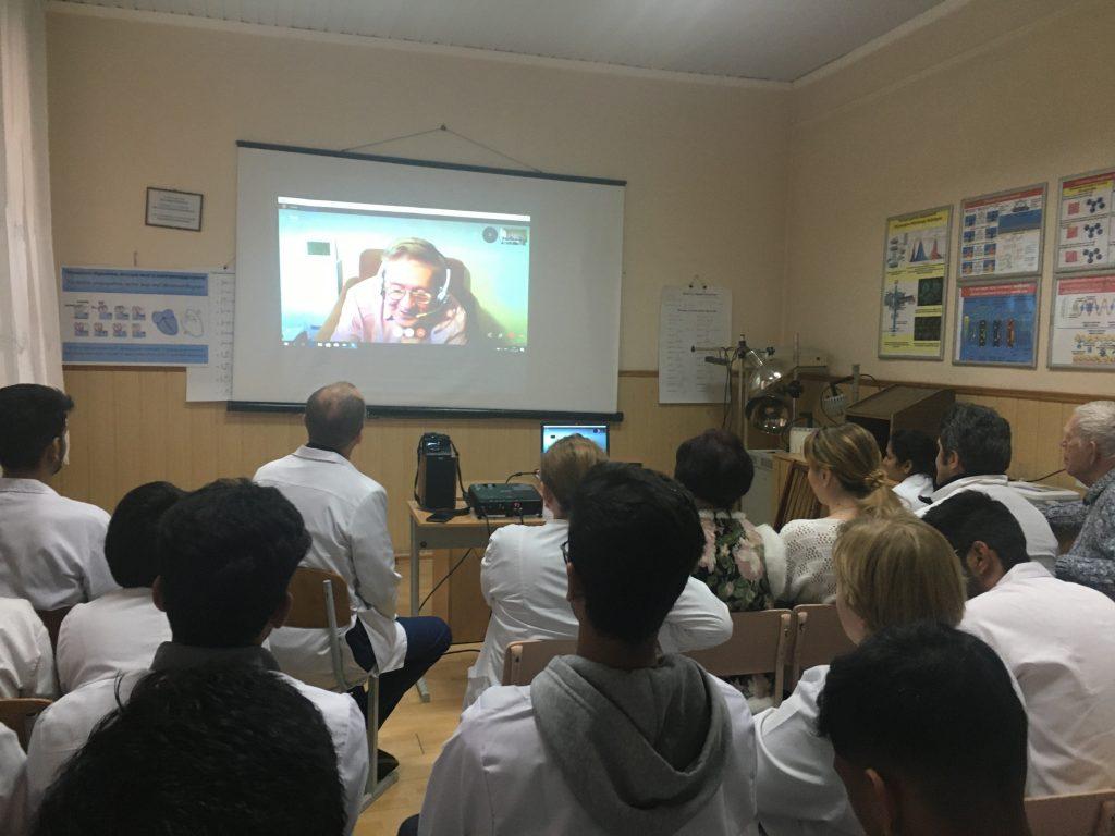 Професор з Чехії прочитав онлайн лекції про використання нанотехнологій у медицині