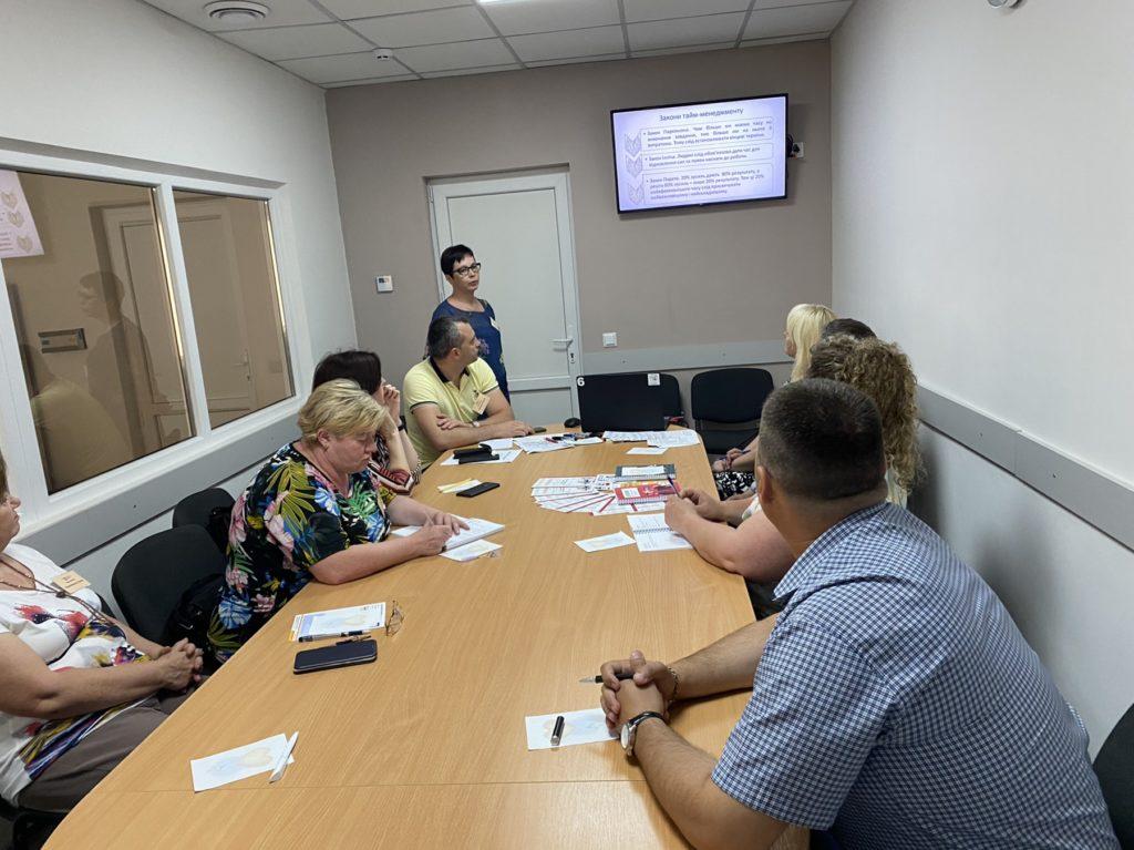 На зустрічі групи рівних обговорили питання тайм-менеджменту сучасного викладача